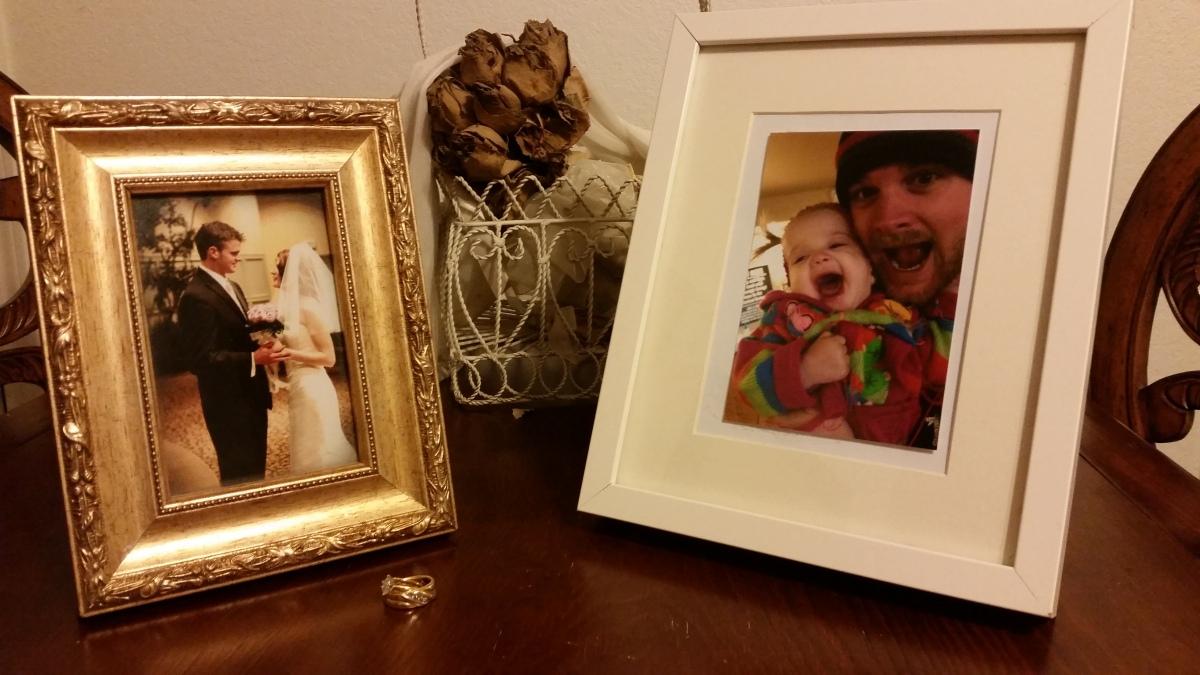 Wedding photo @ freetosurrender.com